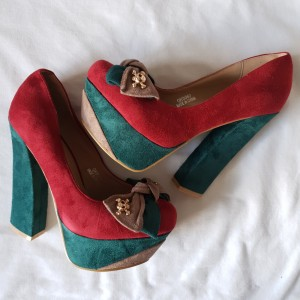 Skulls Embellished Two Tone Maroon Suedette Heels Size4 New In Box