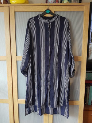 Size 18 sheer blouse