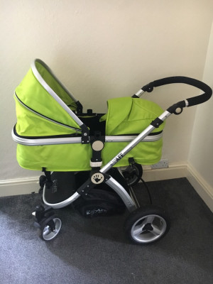 3in1 travel system pram.