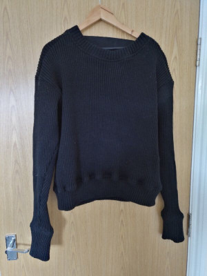 Sweat shirt with cut back and strip