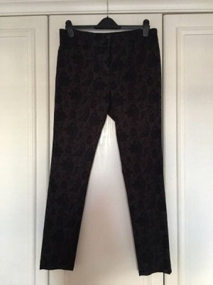 Beautiful pair of skinny Next trousers with lace print - size 14