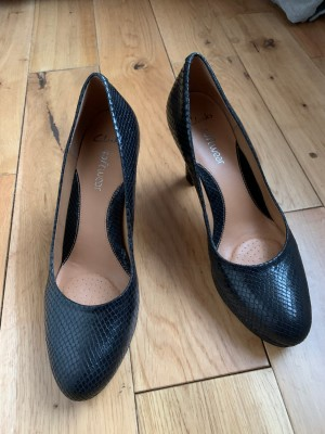 Beautiful black shoes with heels Clarks