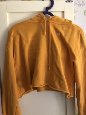 Champion cropped jumper in small